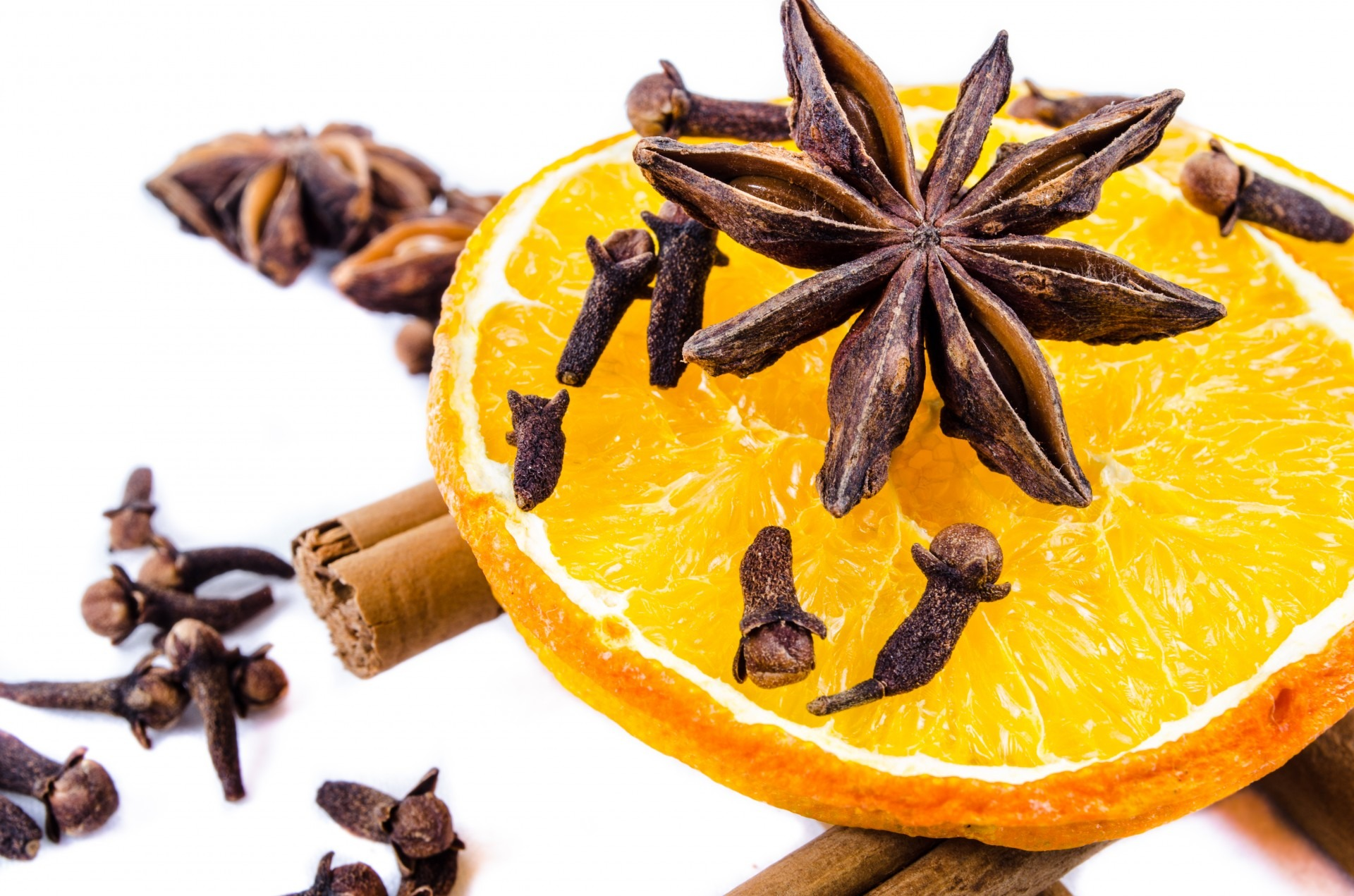 Mulled wine spices | PublicDomainPictures pixabay.com