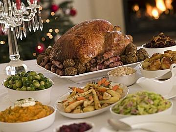Christmas Dinner | © Monkey Business Images dreamstime.com