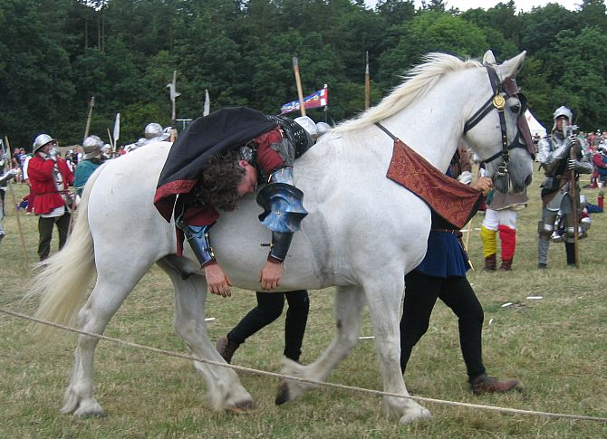 King Richard III dead at the Battle of Bosworth © essentially-england.com