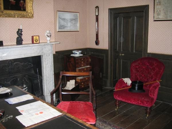 Rosehill House Study © essentially-england.com