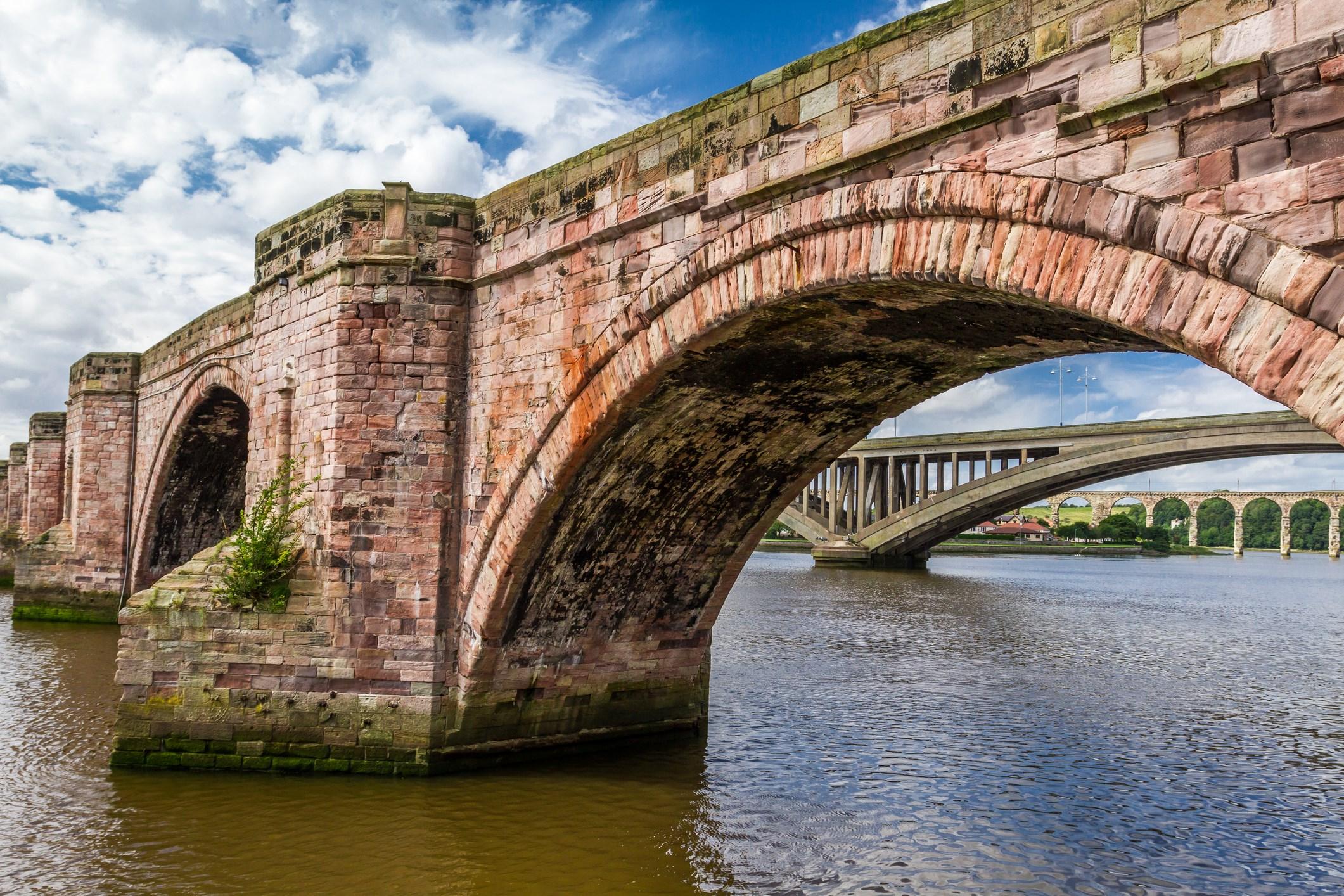 Bridges over the River Tweed at Berwick © Shaiith   dreamstime.com