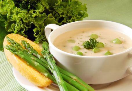 Asparagus Soup | © Ari Sanjaya dreamstime.com