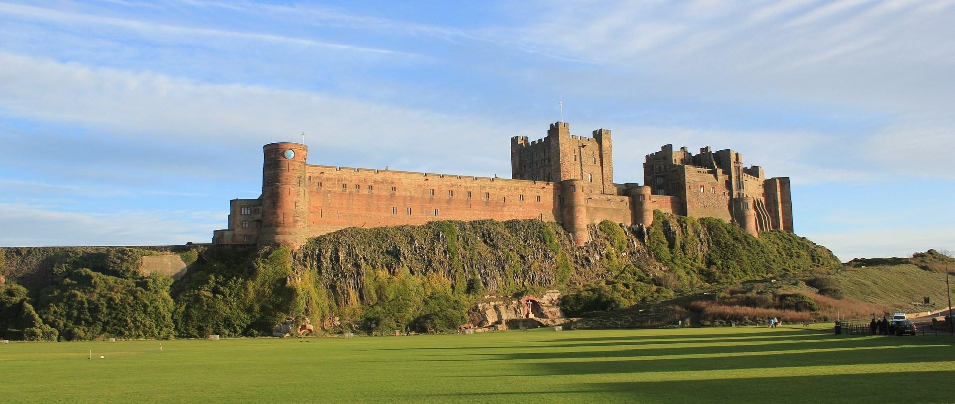 Bamburgh Castle © drhelenmkay | pixabay.com