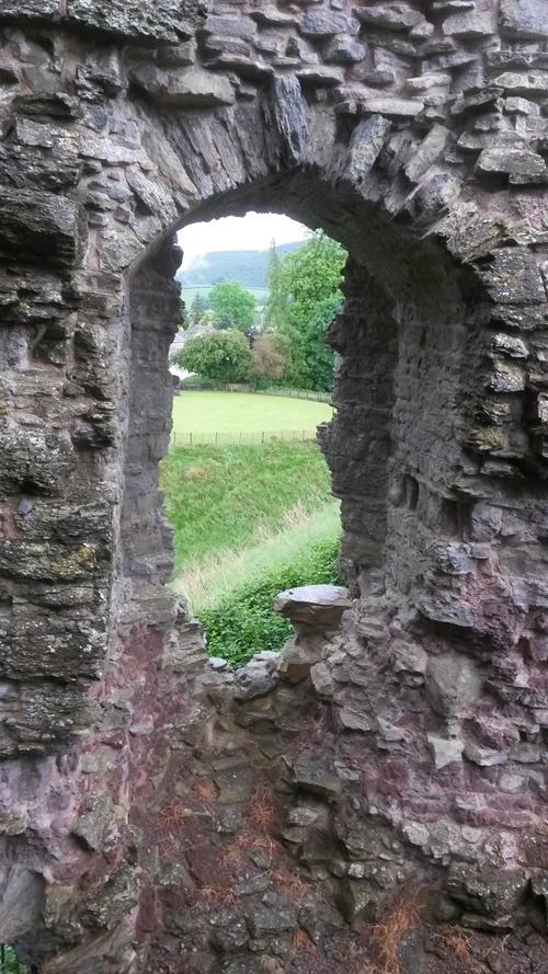 Shropshire Castle Ruin | © essentially-england.com