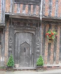 Lavenham: carved door of de Vere House