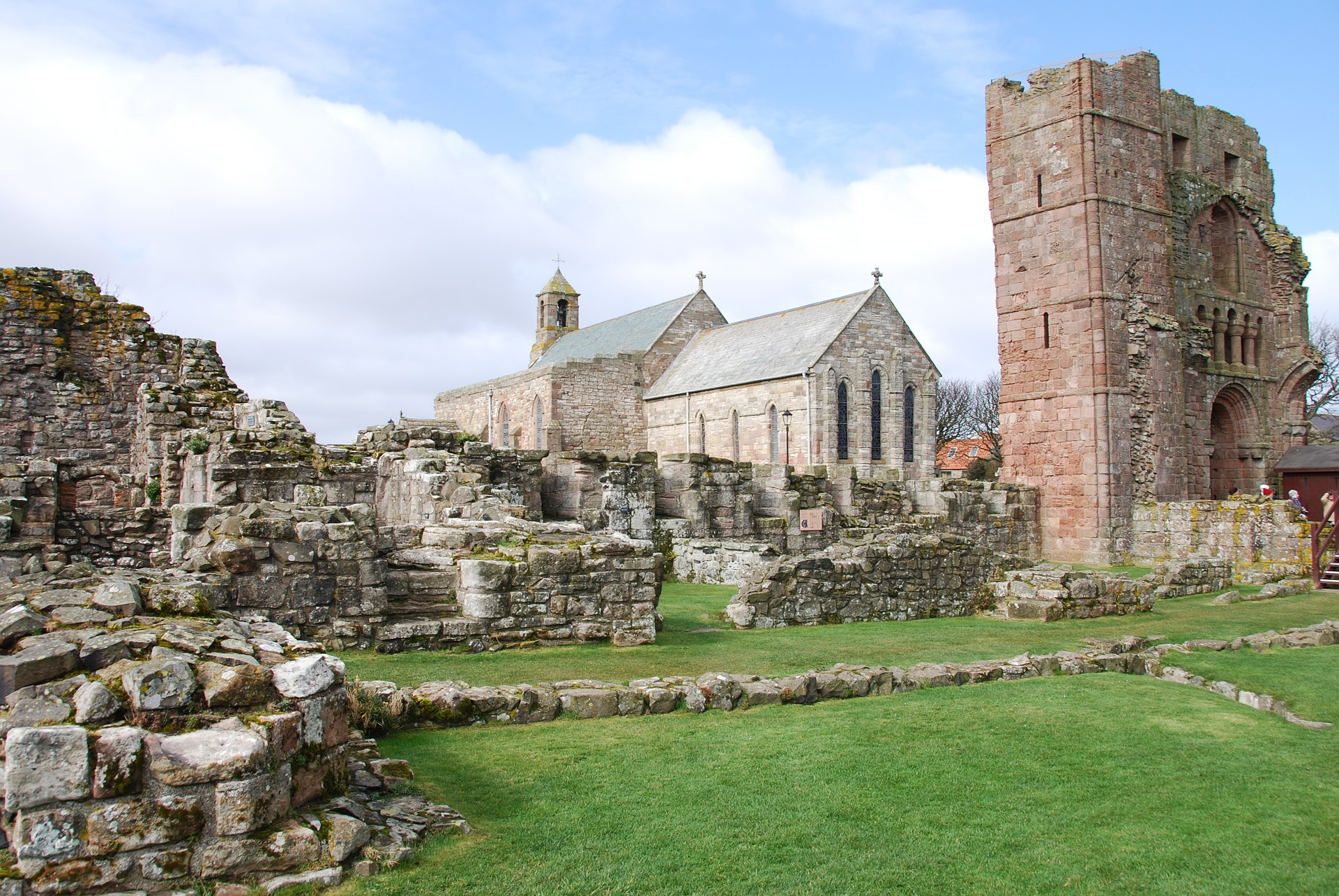 Lindisfarne Priory © yorkshireman | pixabay.com