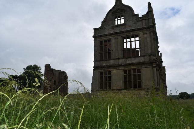 the elizabethan wing of moreton corbet castle in rural shropshire
