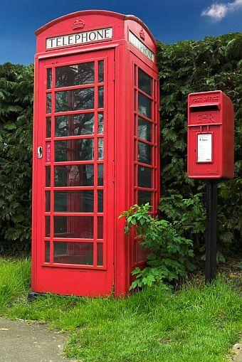 English Phone and Post Boxes | © Brian Lambert fotolia.com