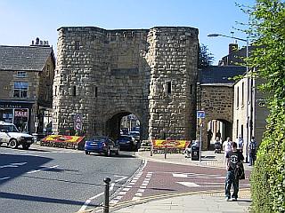 Alnwick Town Gate © essentially-england.com