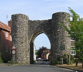 Castle Acre Bailey Gate | © essentially-england.com