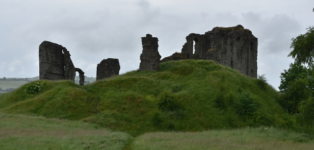 The Stone Castle Ruins on Top of the Motte in Clun ©' essentially-england.com