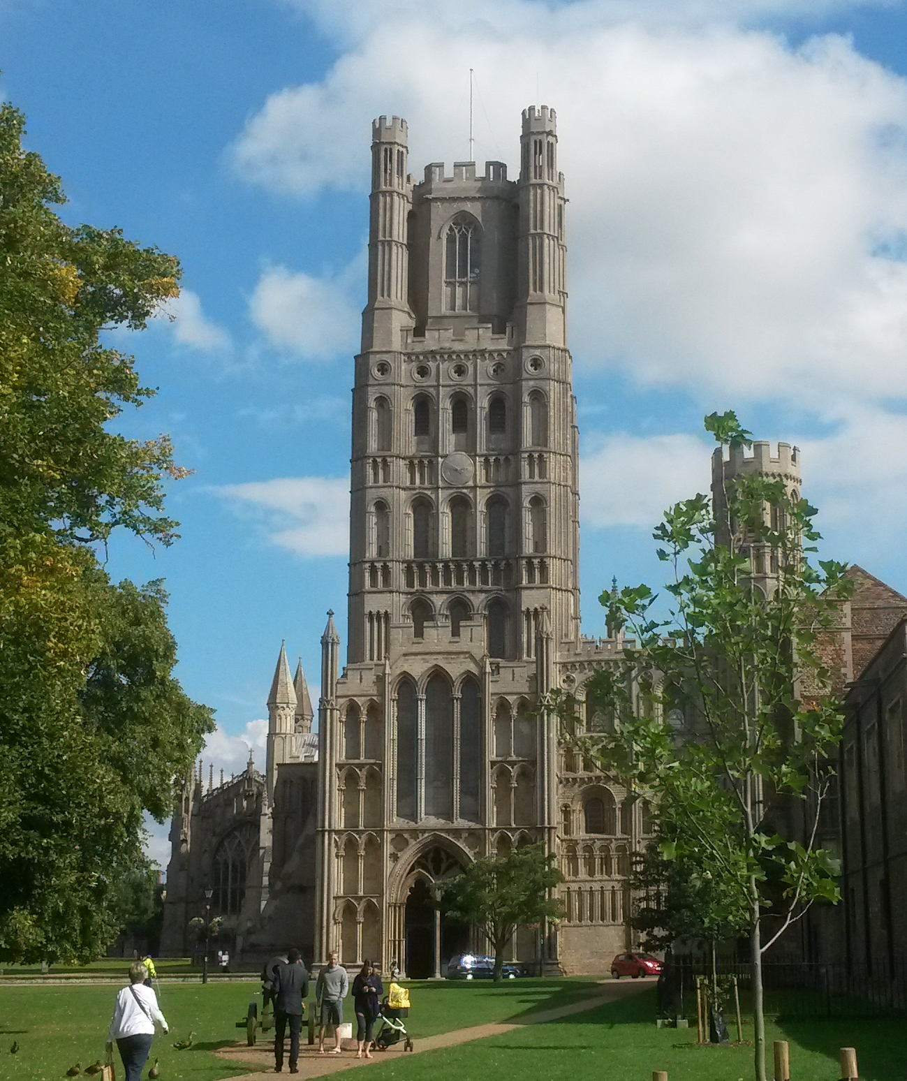 Ely Cathedral | © essentially-england.com