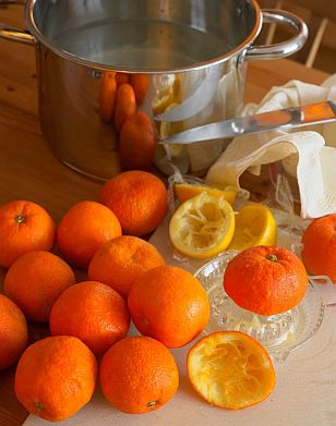 Making Marmalade | © Douglas Freer fotolia.com