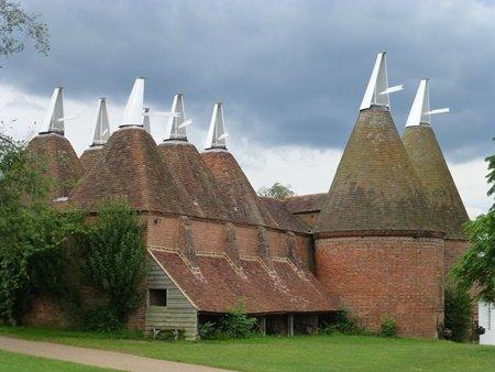 Kentish Oast Houses | © essentially-england.com